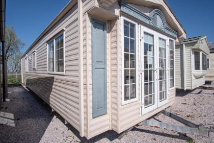 Willerby Vogue 38 x 12 2 bed DG CH