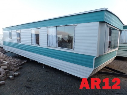 AR12 Albino