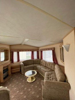 Willerby Lyndhurst DG CH 3 bed tiled roof
